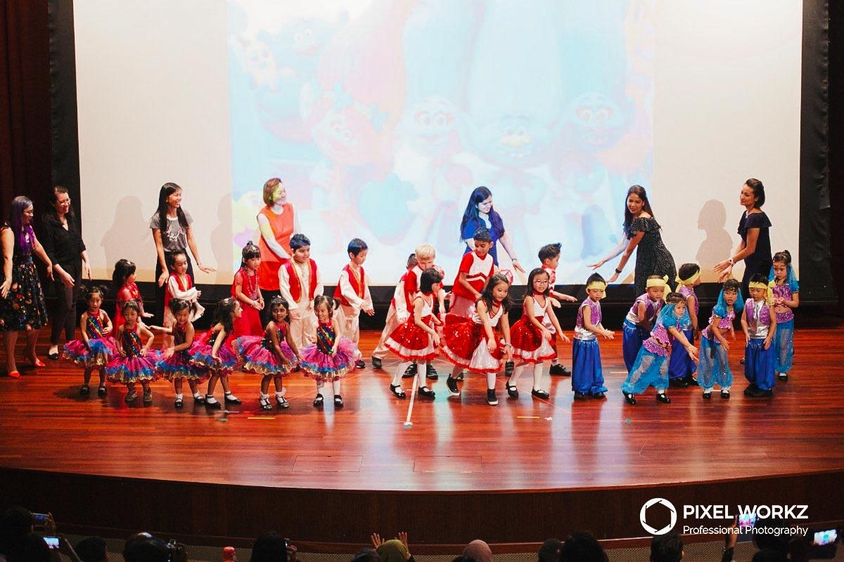 017pre-school-kindergarten-year-end-graduation-finale_1.jpg