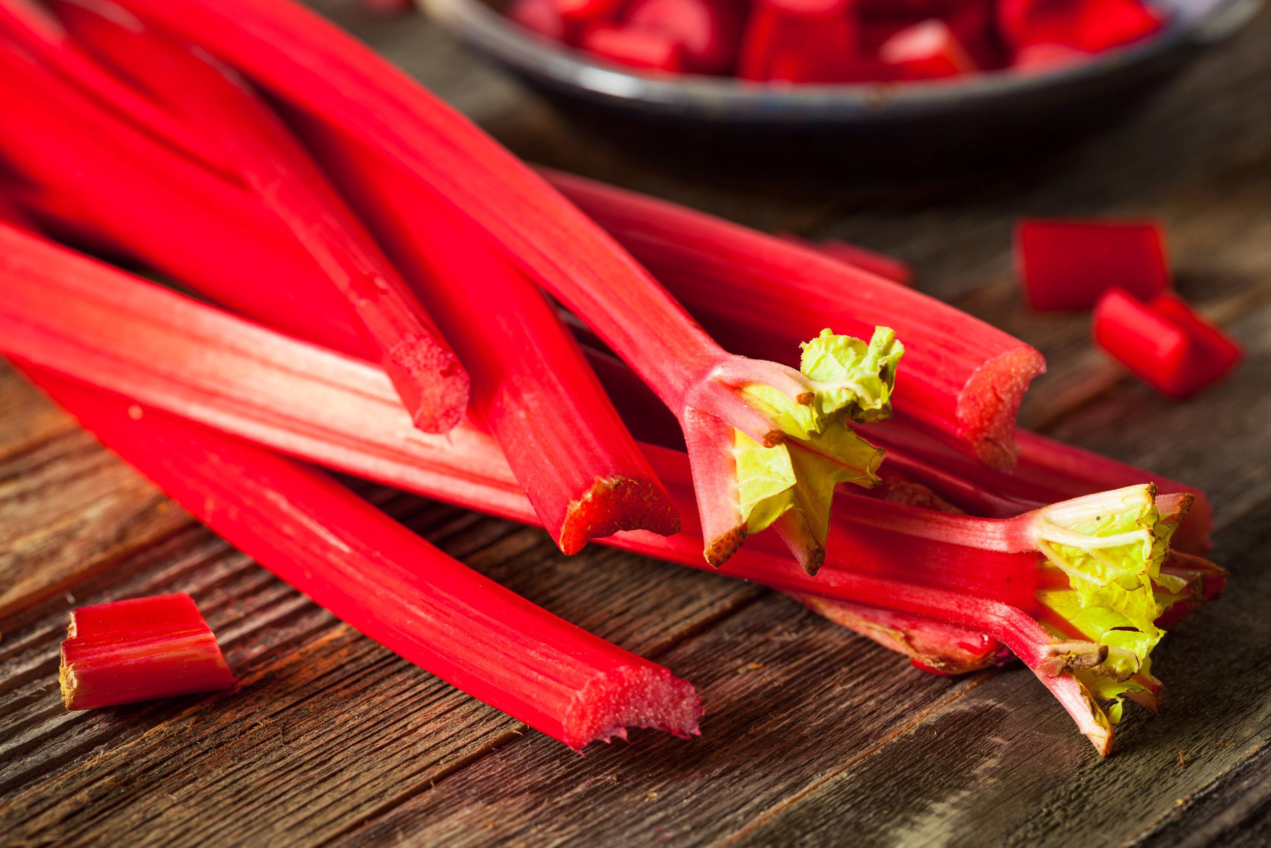 raw-organic-red-rhubarb-P4CFVXZ.jpg