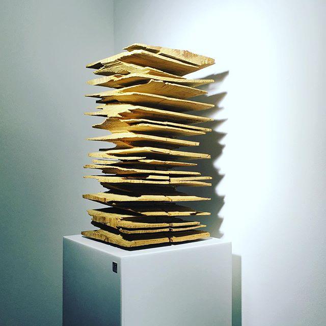 ║█║║█║ SKULPTURBAR | ATELIER & GALERIE INFO--► www.skulpturbar.de #skulpturbar #sylvioeisl #claudiaeisl  Big Floater, 2016, Robinie