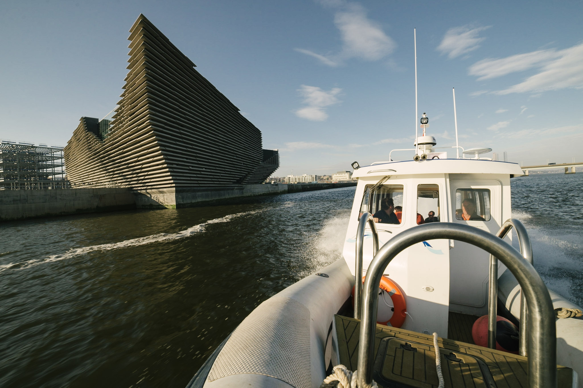 Tay Tours - Explore the river Tay in comfort, style aboard our high speed vessel, Terra Nova.