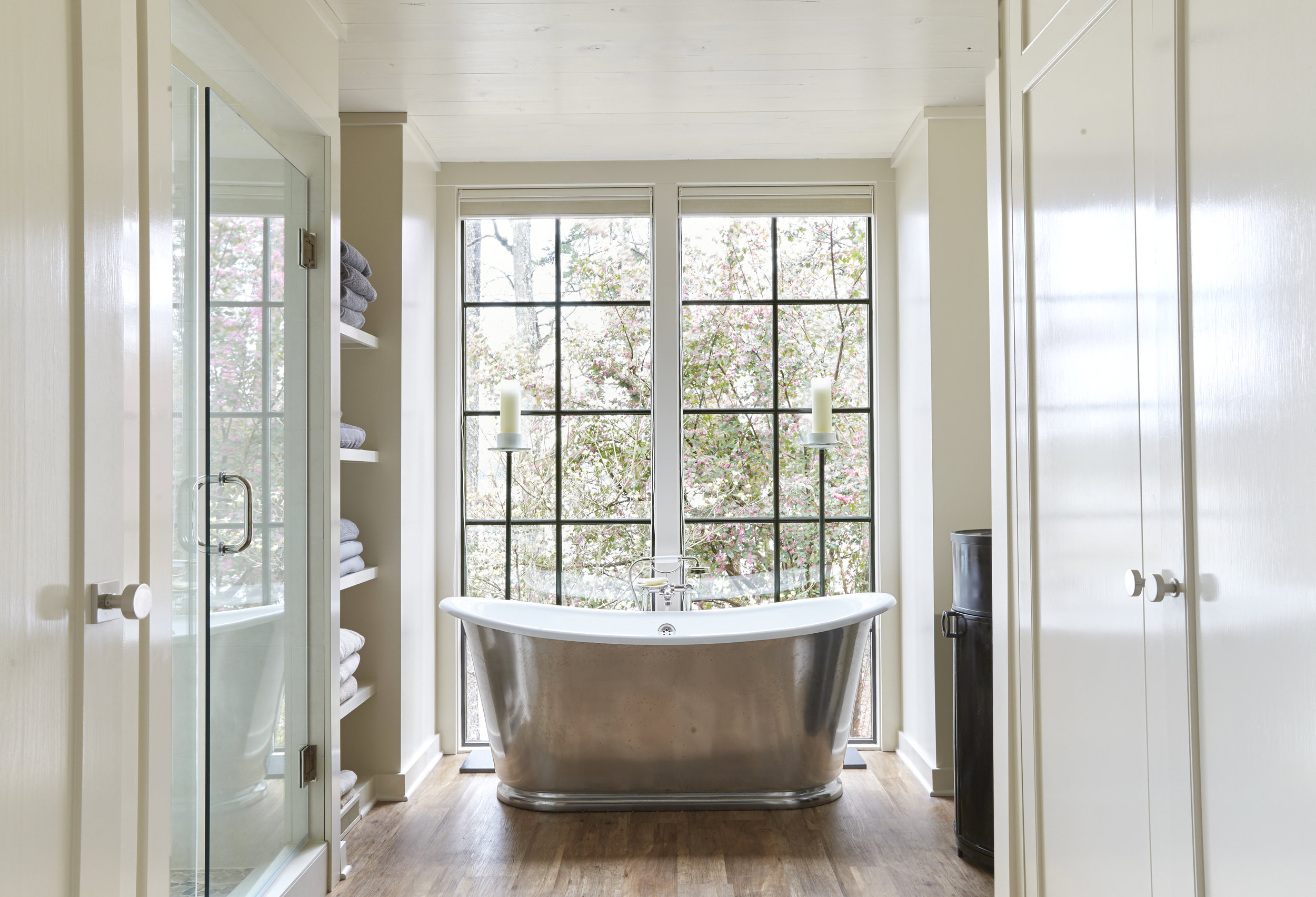 Seven Sticks Lake House - A Renovation and Addition to a Lake House -Lewis Smith Lake, AlabamaInterior Design: Richard Tubbs Interiors- Richard TubbContractor: Russell Building Company-Brook RussellBathroom Hardware: Waterworks