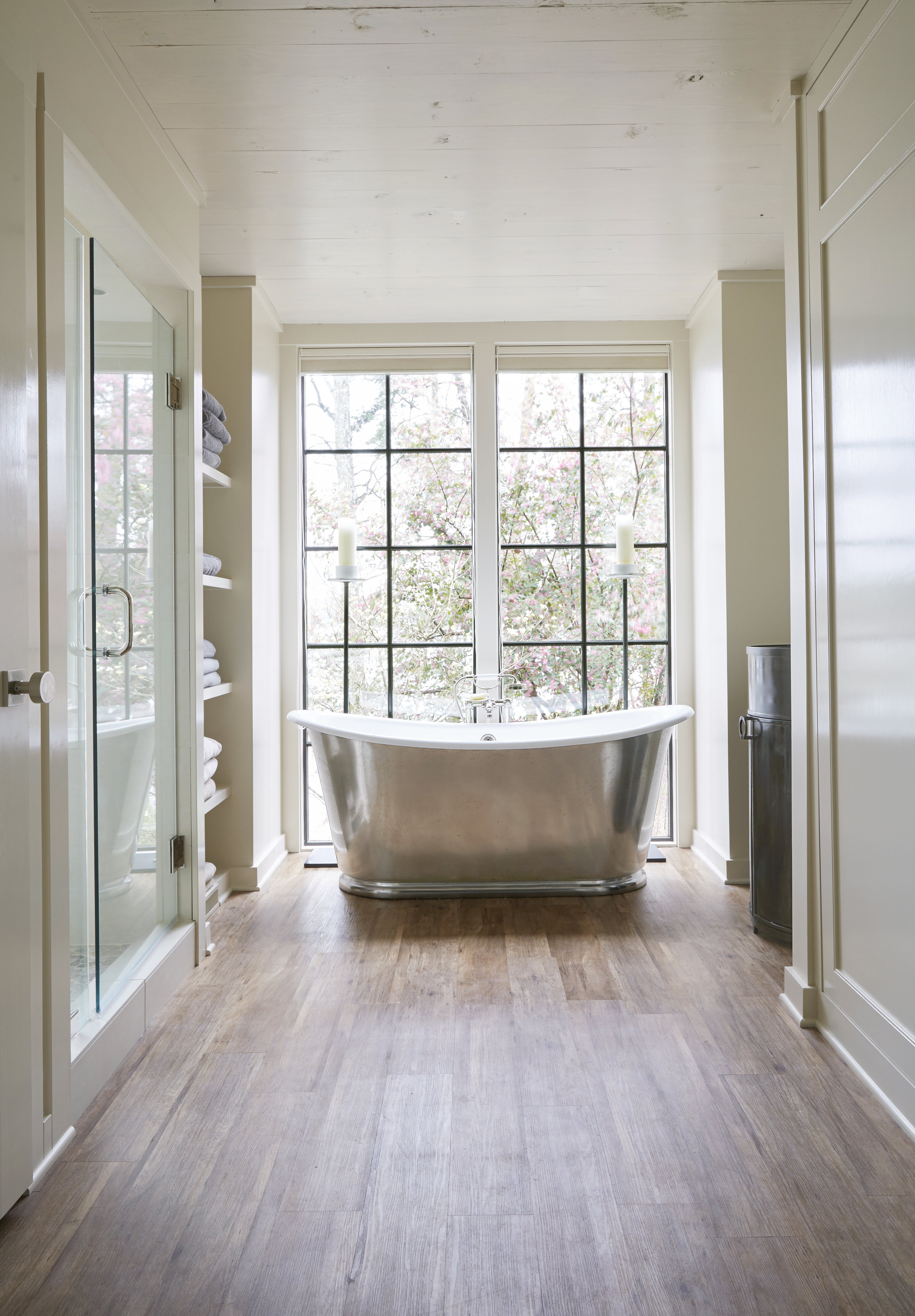 Seven Sticks Lake House Bathroom tub interior architecture Alabama
