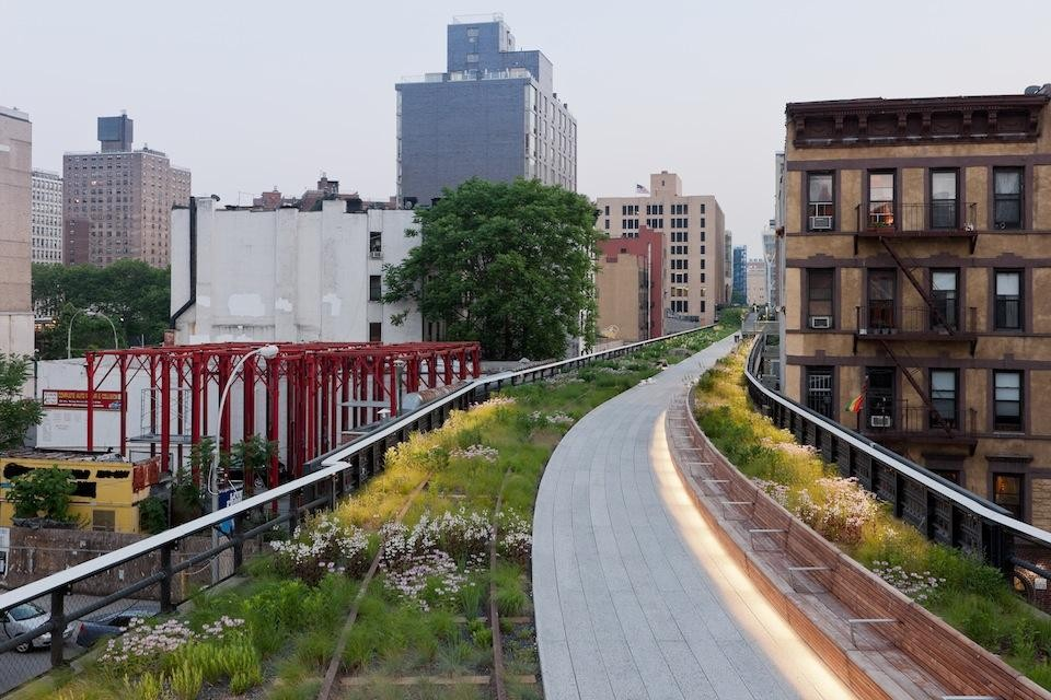 The High Line, looking south. Photo © Iwan Baan.