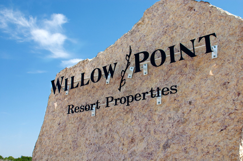 PageImage-495694-2357663-WillowPointsign.jpg