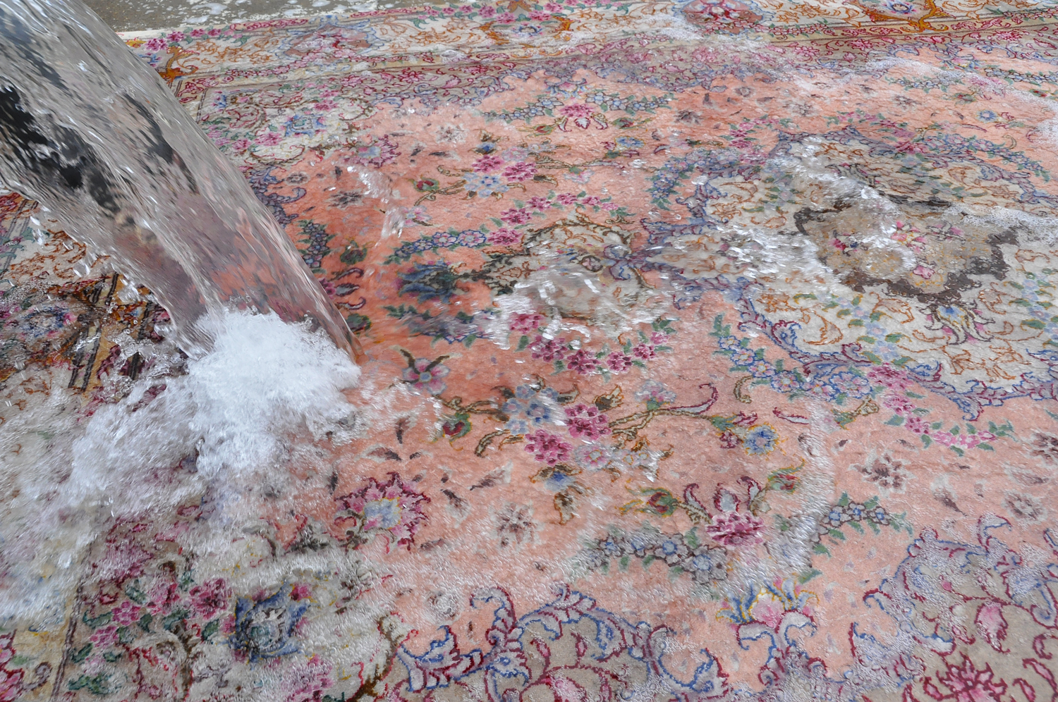 Cleaning-process-karimi-rug01.jpg