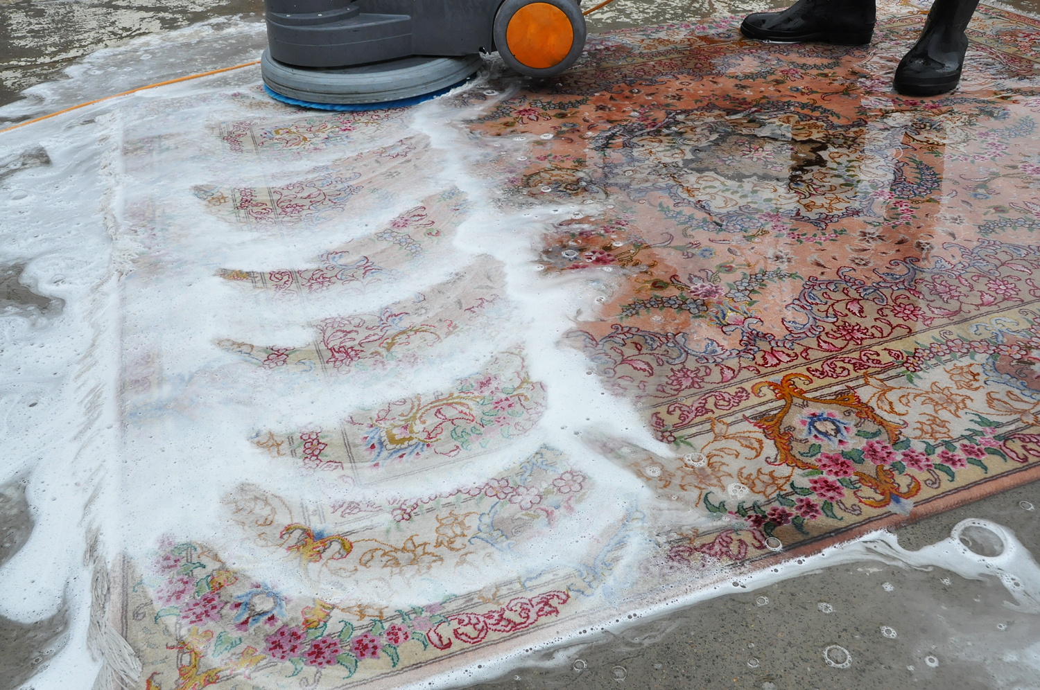 Cleaning-process-karimi-rug-02.jpg