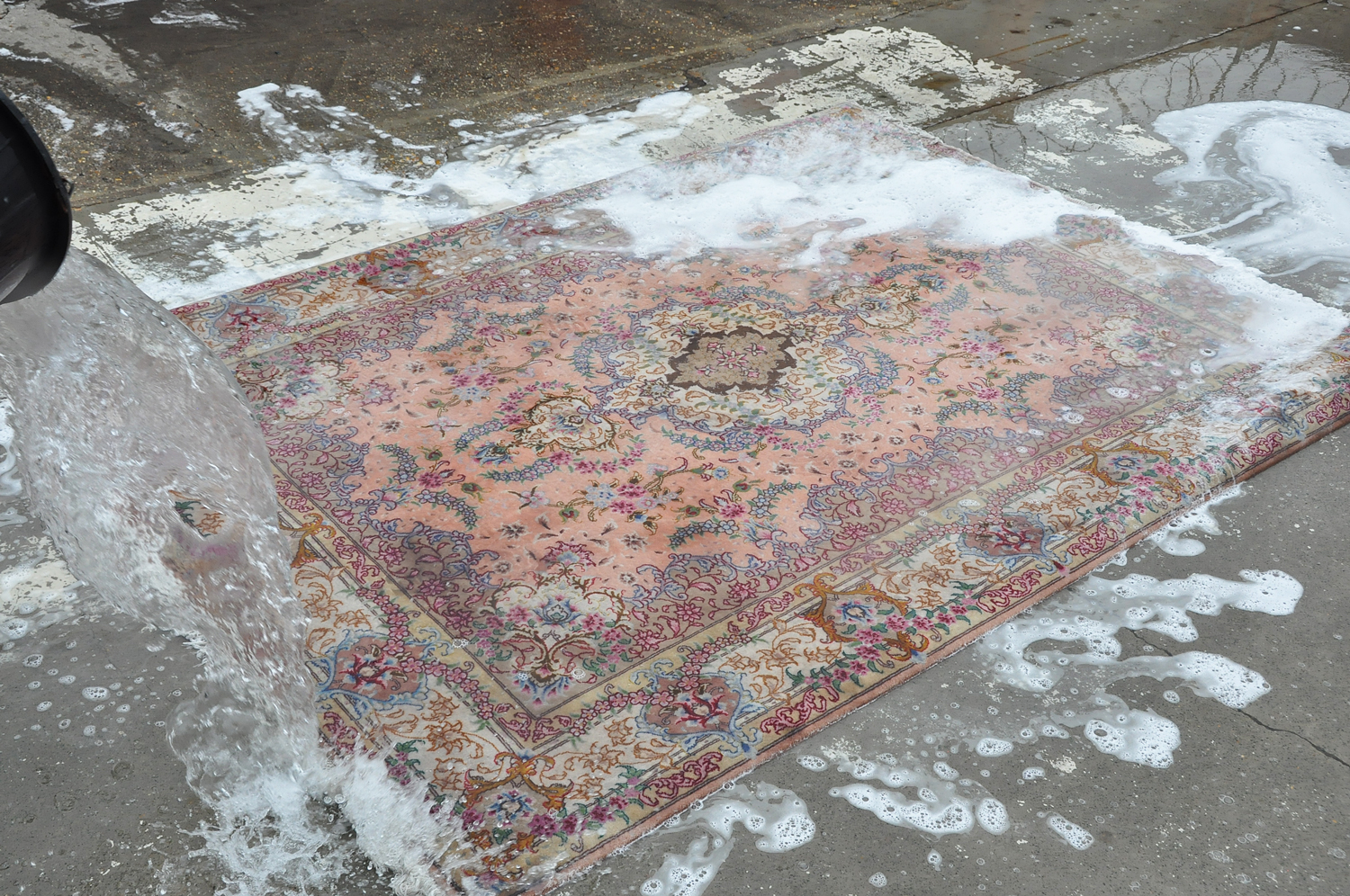 Cleaning-process-karimi-rug-03.jpg
