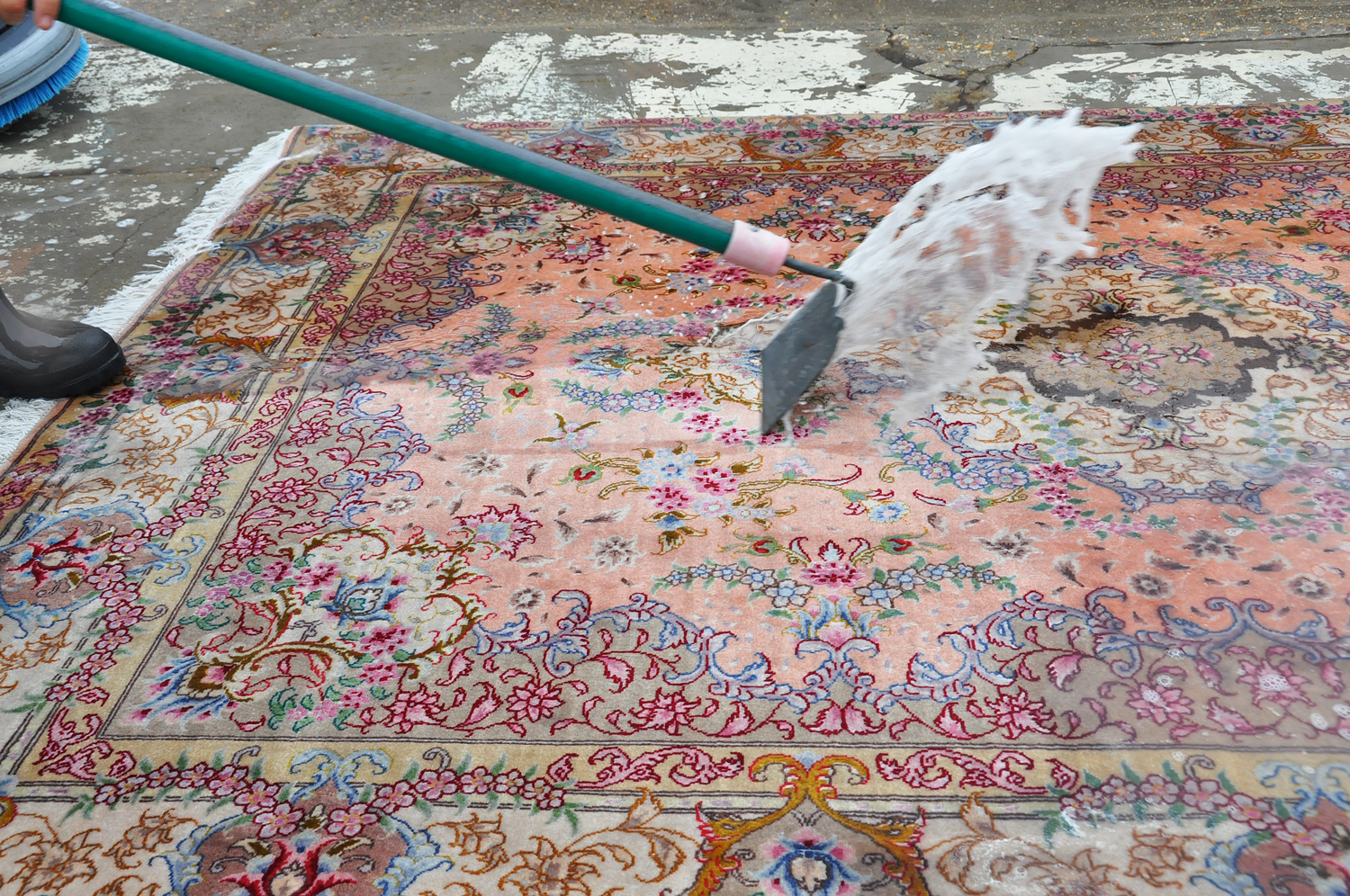 Cleaning-process-karimi-rug-05.jpg