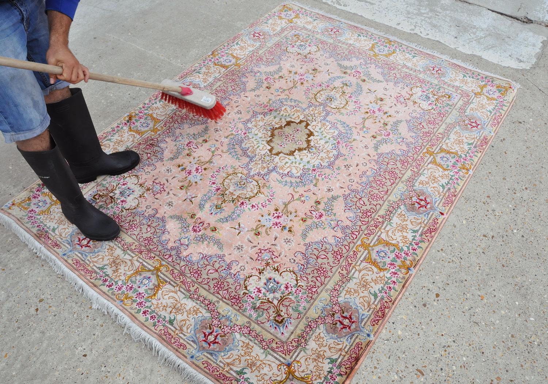 Cleaning-process-karimi-rug-08.jpg