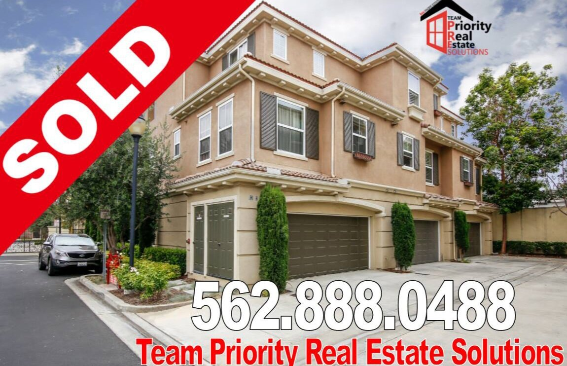 Just Sold_House7.jpg