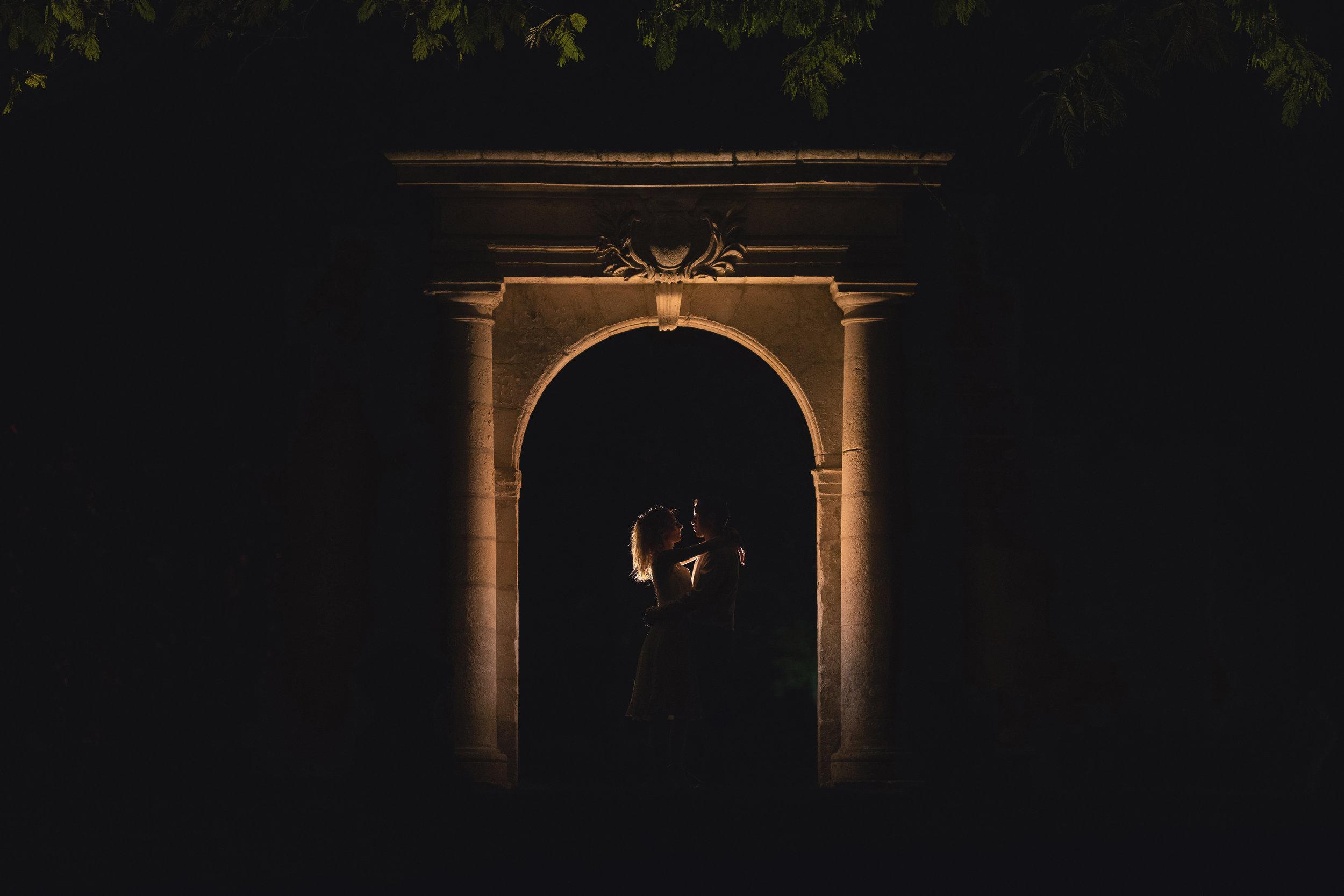 LISA & DENIS - 22 Septembre 2018 - Château de Crazannes   120 invités ❤︎ Cérémonie laïque et réception au Chateau de Crazannes (Charente-Maritime) ❤︎ Traiteur Le Vieux Logis ❤︎ Soleil et douceur ❤︎ Le photographe a aimé : la fresque réalisée par 3 dessinateurs de BD ❤︎