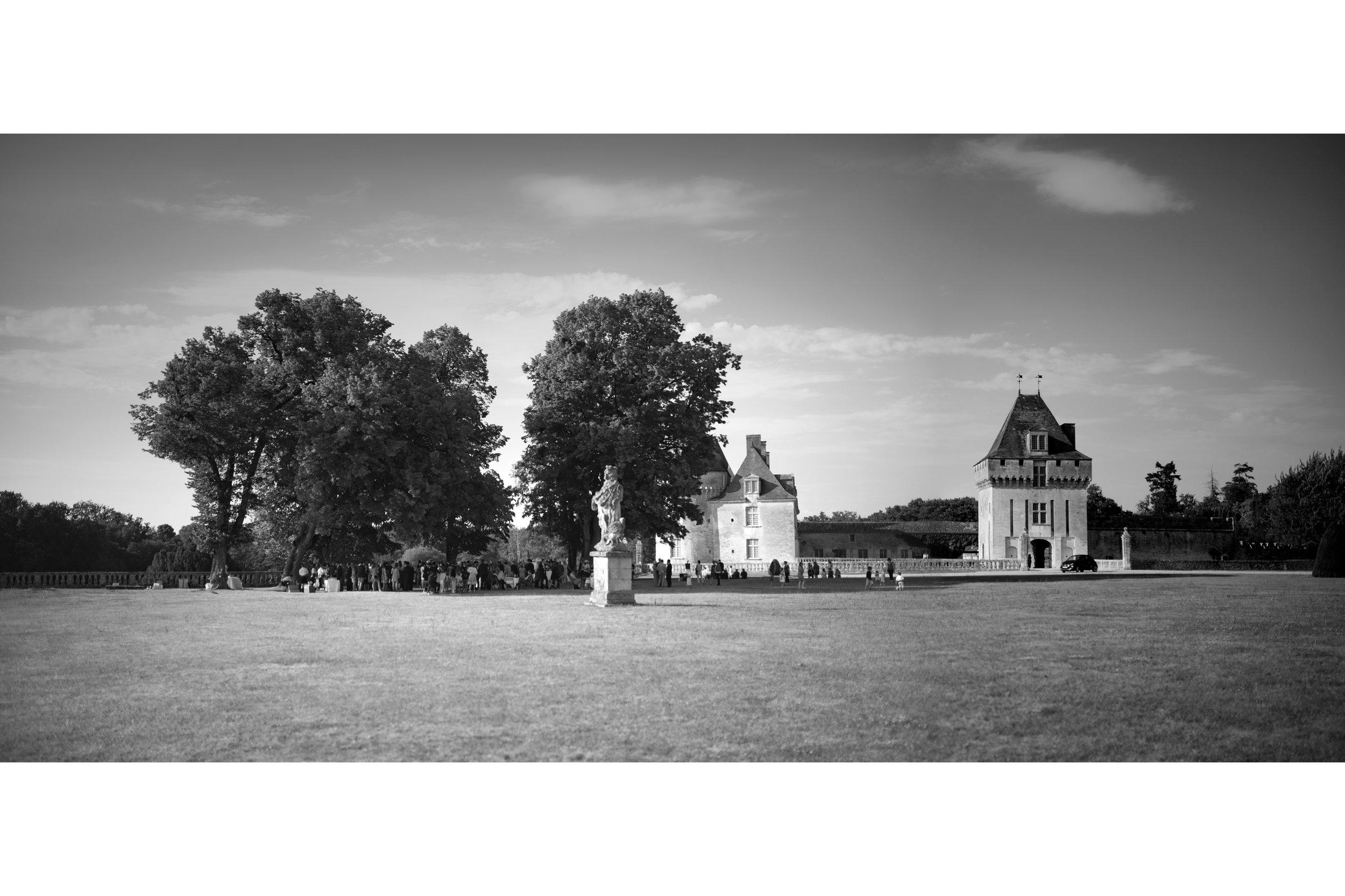 photographe-mariage-chateau-la-roche-courbon-307.jpg