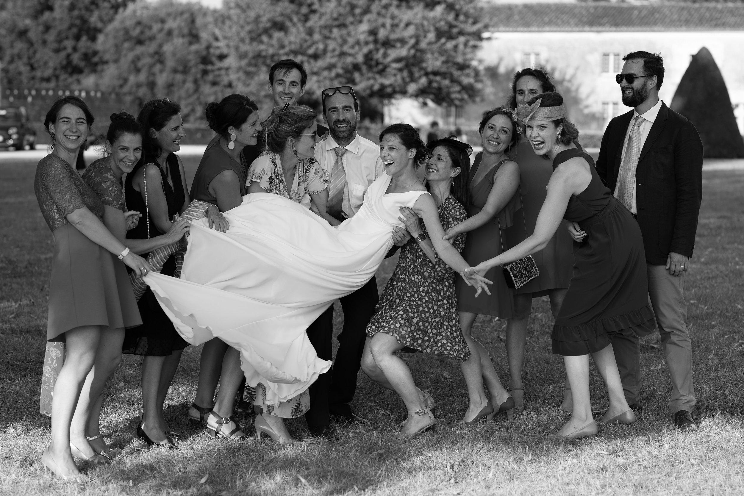 photographe-mariage-chateau-la-roche-courbon-334.jpg