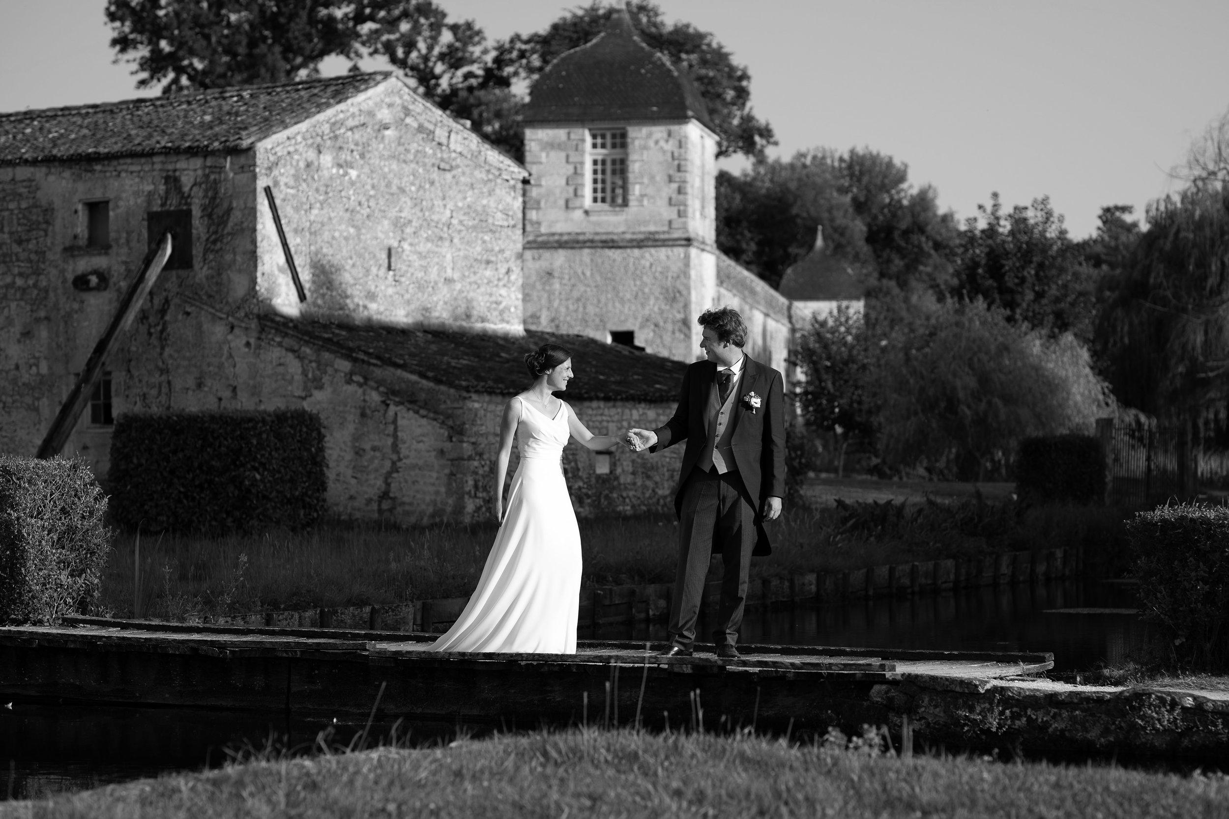 photographe-mariage-chateau-la-roche-courbon-341.jpg