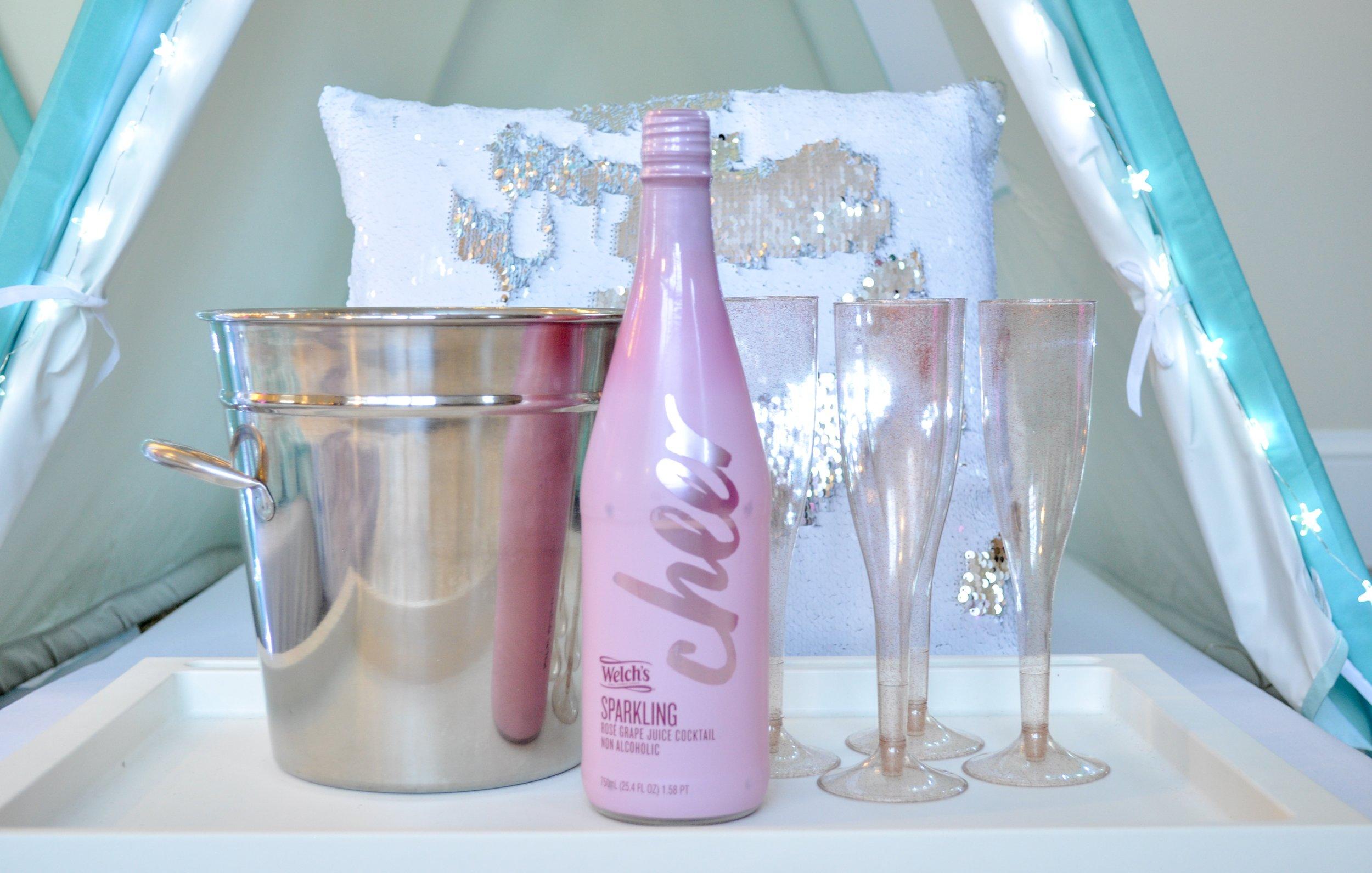 glitter + bubbles beverage service  |  $20
