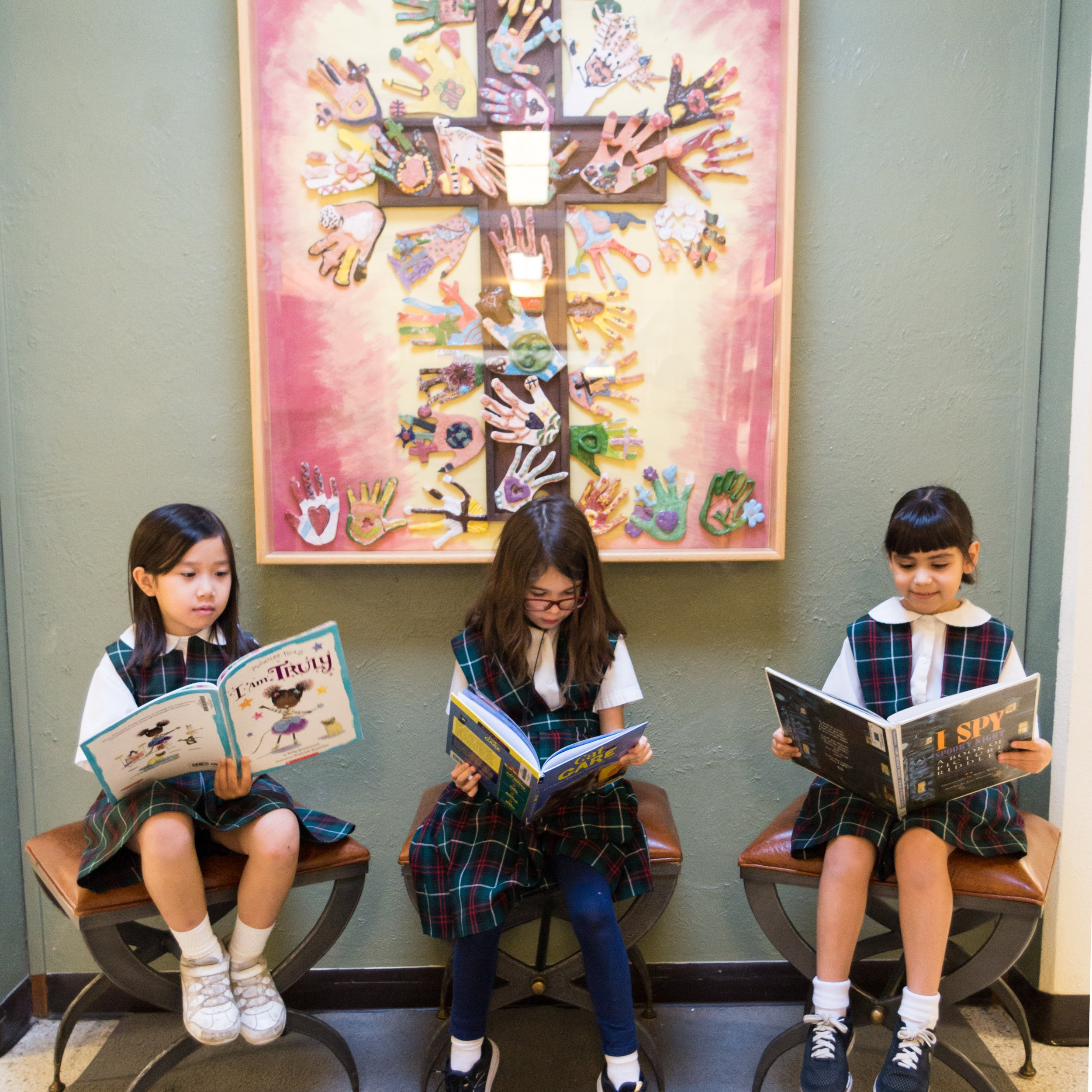 Library - Our library supports the St. Louis Catholic School curriculum and provides a well-balanced collection of print and non-print materials.  Our goals are to stimulate curiosity; enhance reading and research skills; inspire creative and critical thinking; and provide access to literature and information in both the library and the world beyond.The library sponsors a number of reading incentive programs. Students are encouraged to read books from yearly award sets: Gallery (Gr. 1-3), Bluebonnet (Gr. 3-6), and Lectio (Gr. 4-8).Resources:AlexandriaEBSCO