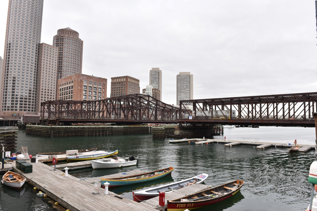 Photo of the current Northern Avenue Bridge