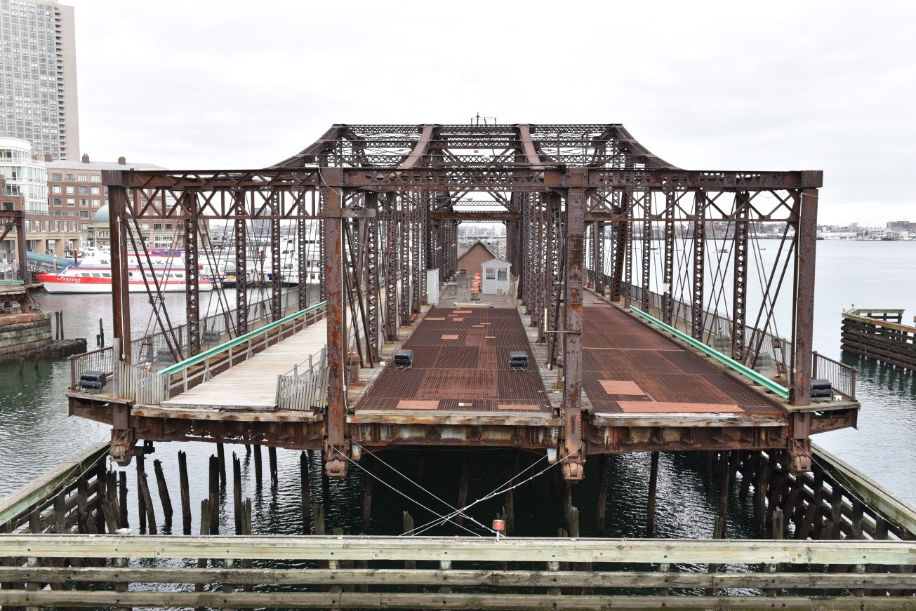 Photo of the current Northern Avenue Bridge