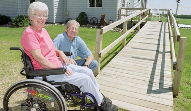 Senior home help.1.jpg