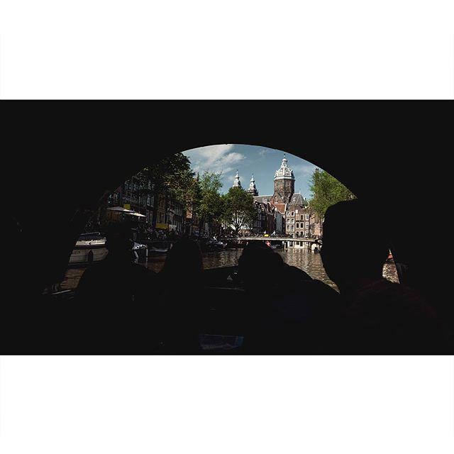 • • • • • • •  #archivecollectivemag #subjectivelyobjective #imaginarymagnitude  #solarcollective #fivesixmag #eyeshotmag #ourmomentum #fisheyelemag #broadmag #documentingspace #magnumphotos #street_life #hikaricreative #helloicp #spicollective #myspc #silhouettes #foammagazine
