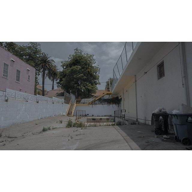 Loading... #viewfinder #archivecollectivemag #subjectivelyobjective #imaginarymagnitude  #solarcollective #fivesixmag #eyeshotmag #ourmomentum #fisheyelemag #broadmag #documentingspace #magnumphotos #lastreetphotography #street_life #hikaricreative #helloicp #spicollective #myspc #foammagazine #lightzine #summersuncollection #collecmag #lensonstreets