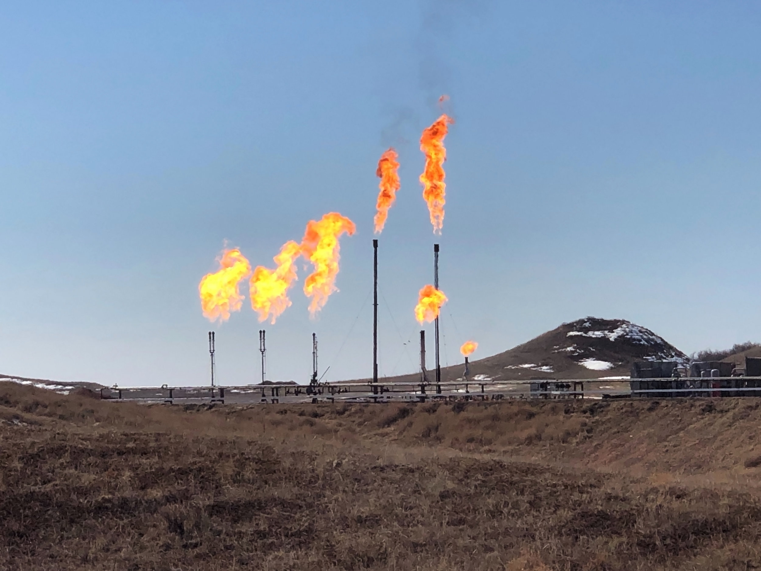REGULATORY BENEFITS - Achieve a beneficial use for natural gas as well as deep emissions reductions. Crusoe's DFM technology is quickly becoming the preferred alternative to routine flaring, and helps pipeline-constrained operators comply with anti-flaring, anti-waste and anti-pollution rules and regulations that may otherwise impede operations.