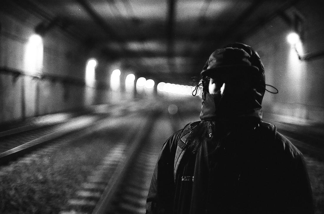 portrait_train_tunnel_photo_01.jpg