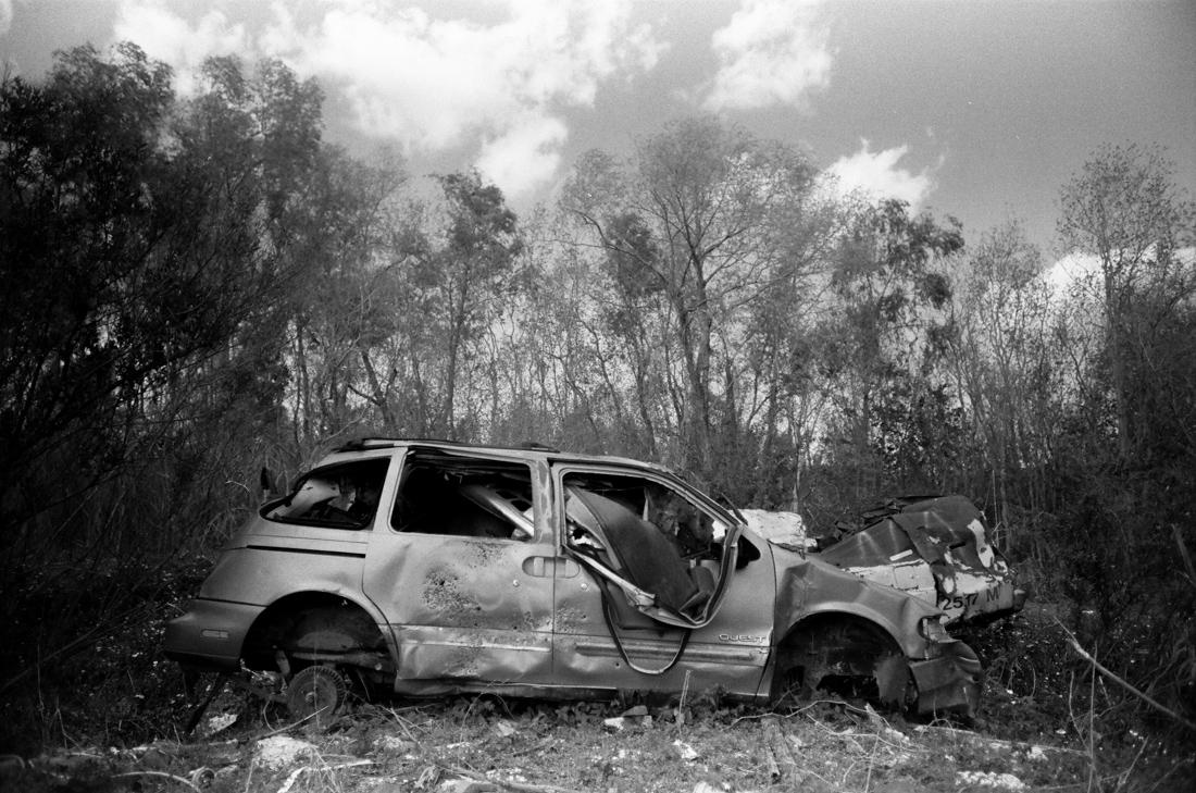 abandoned_car_junkyard_new orleans_photo_02.jpg
