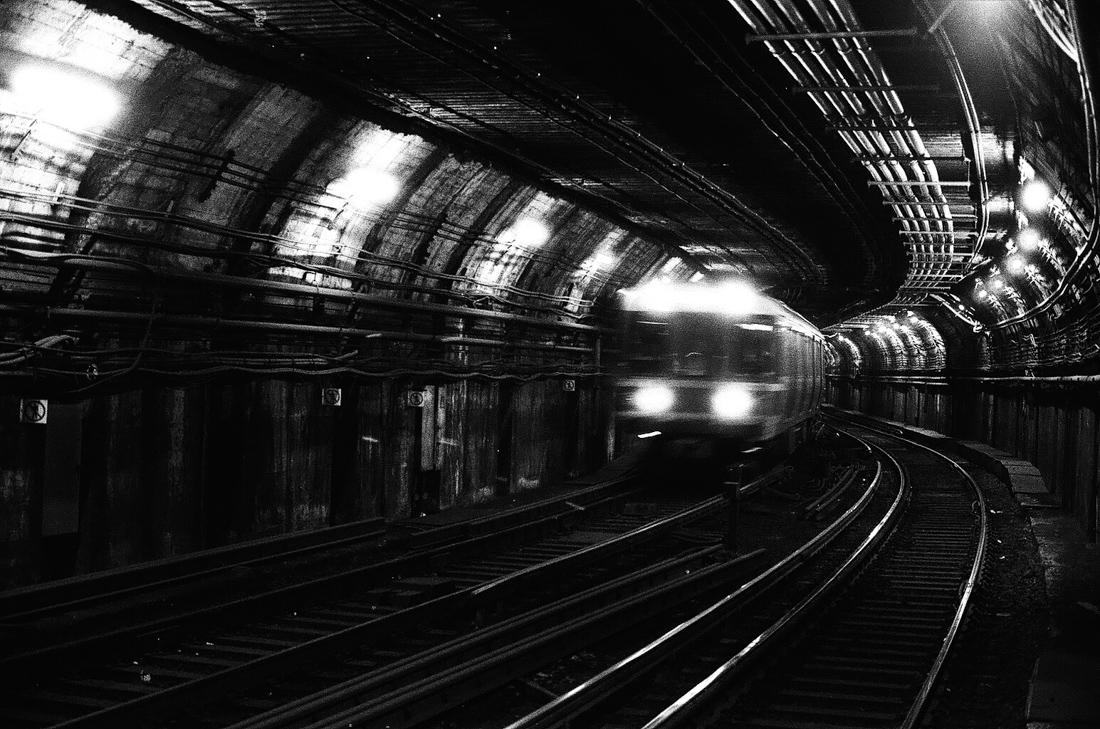 train_tracks_photo_01.jpg