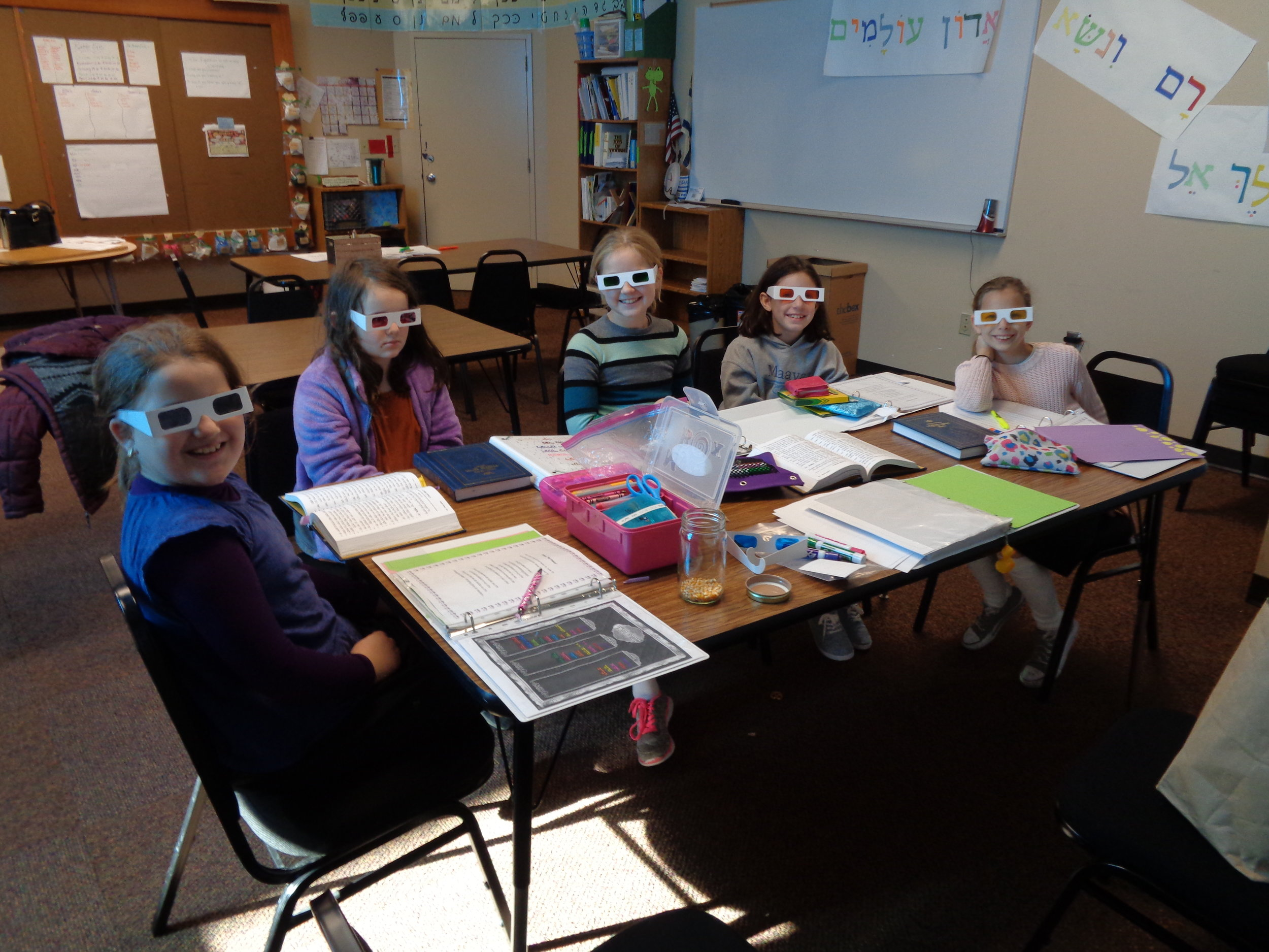 Students loved their new learning perspectives in our Pirkei Avos class today! Thank you Batsheva and CoJDS!   --- Malky Weisman, Maayan Torah Day School of Portland