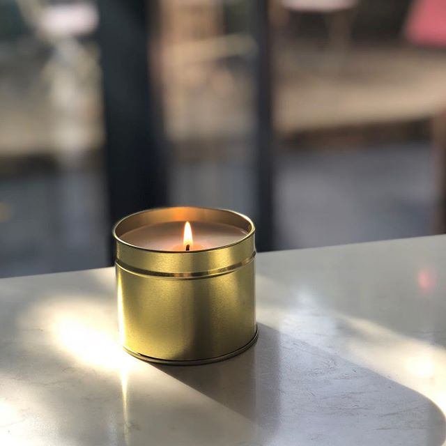 Loving these slow weekend mornings? Staying in bed just a little longer. Stretching. Looking at the trees outside of the window. Dwelling in the tranquility of the moment. Wanderlust and Day Trip to Eden are the perfect scents for a slow weekend morning. #vegan #se23life #shoplocal #smallbusiness #wanderlust #candle #weekend