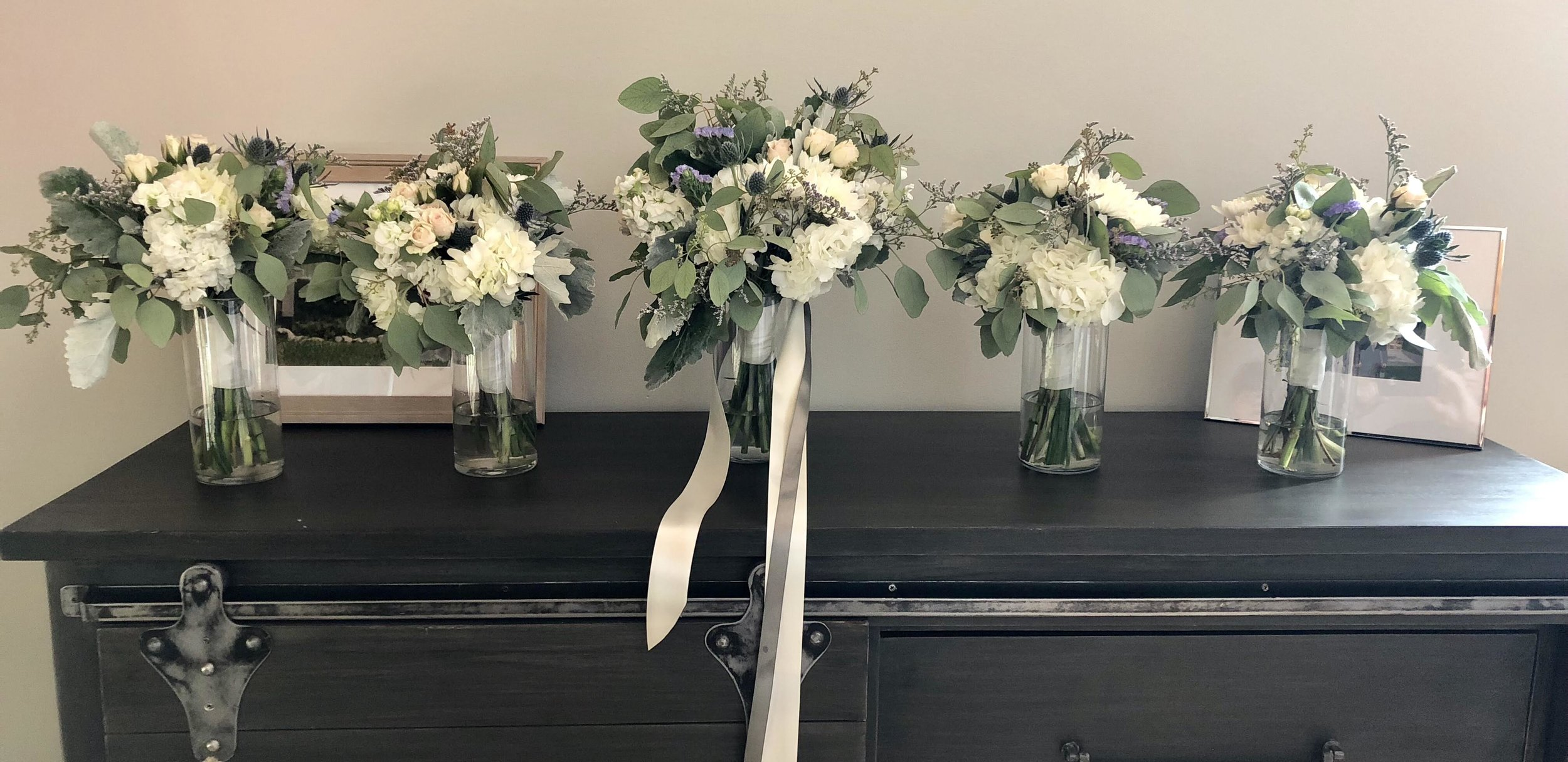 Bouquettes for Bride and Bridal Party