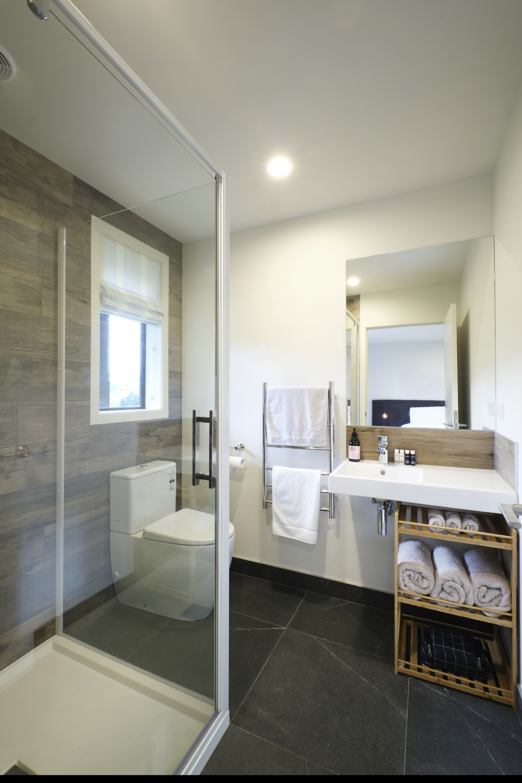 middlehurst bathroom.jpg