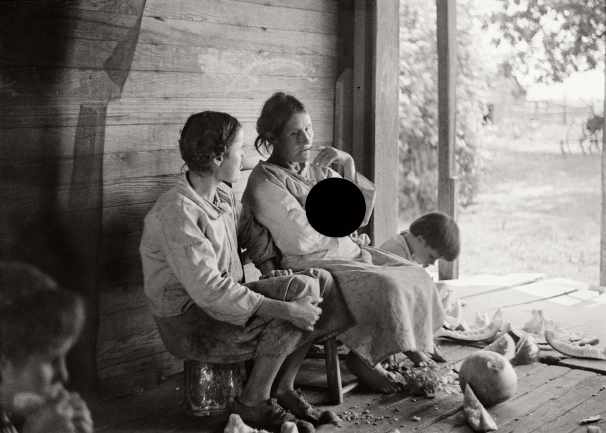 60. Untitled. Alabama. 1936. Walker Evans. 8a44565.