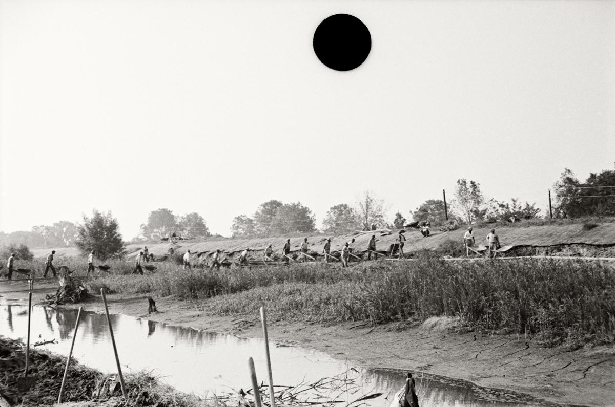 79. Levee workers, Plaquemines Parish, Louisiana.1935. Ben Shahn. 8a16564.