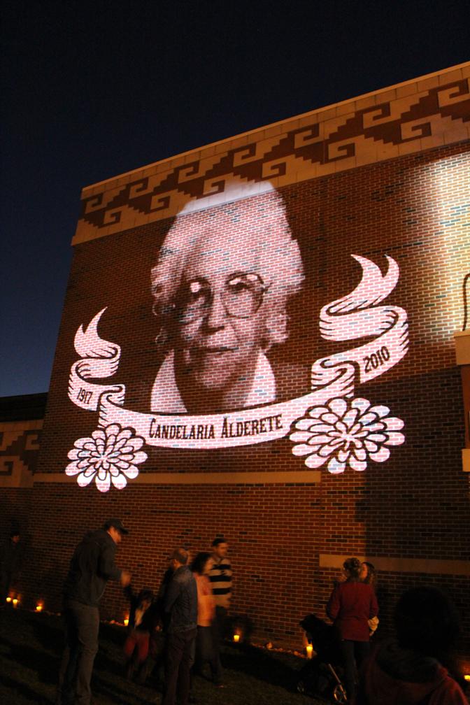 Dia de los Muertos Xicago   30 foot high projections of the dearly deceased...