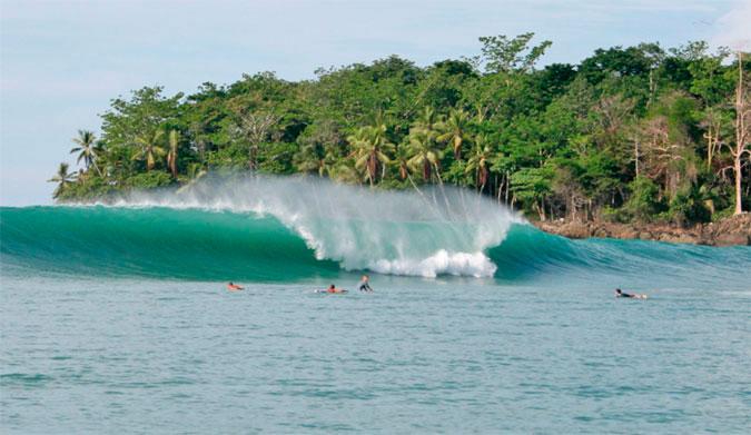 WORLD CLASS SURFING REGION *
