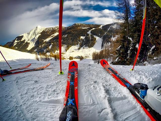 skis-1785285_640.jpg