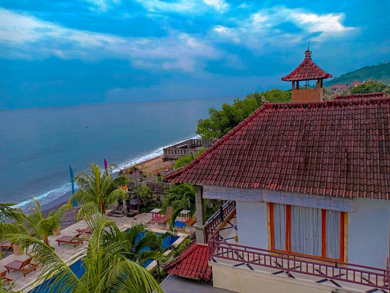Amed Beach Resort -