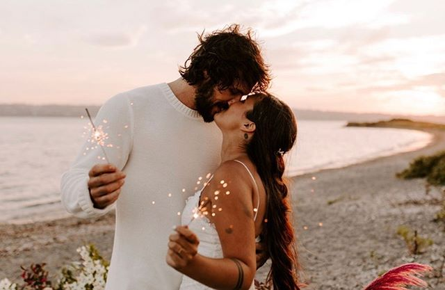 Cause baby you're my firework💥❤️Happy 4th everyone! 🇺🇸 #wildflowereventsdesign #happyfourth . . Stylist + Curator @wildflowereventsdesign Venue @moore.house Photographers @jesscremins @keliphotography  Florist @leslieleefloraldesign Hair + Makeup @upstyle.co Stationary @prairielettershop Caterer @blackstoneri Table Runner @thebayith Bride @schmessica29 Groom @peter_familias Bridesmaids @jayme_delvecchio @wildlykale