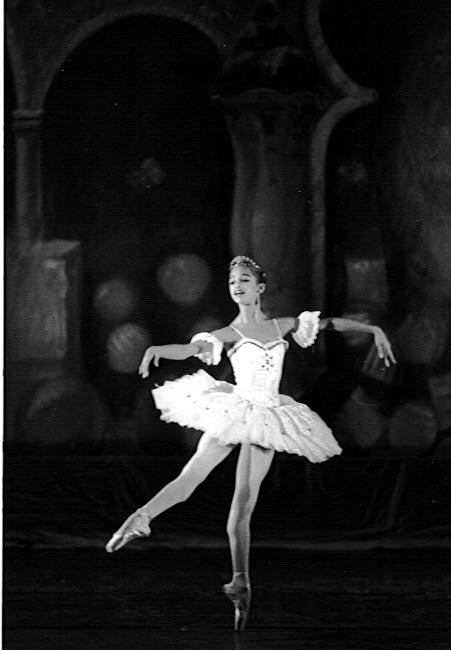 Misty Copeland at the age of 14 dancing the Sugar Plum Fairy in San Pedro City Ballet Nutcracker. ( December, 1996)