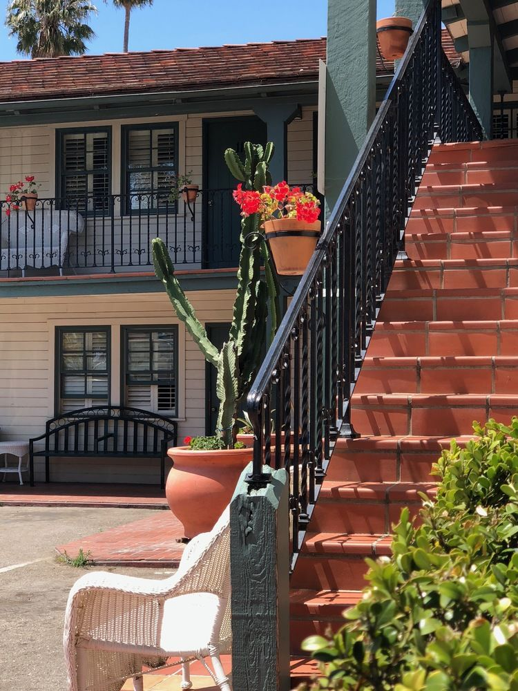AlamarInn_staircase.jpg