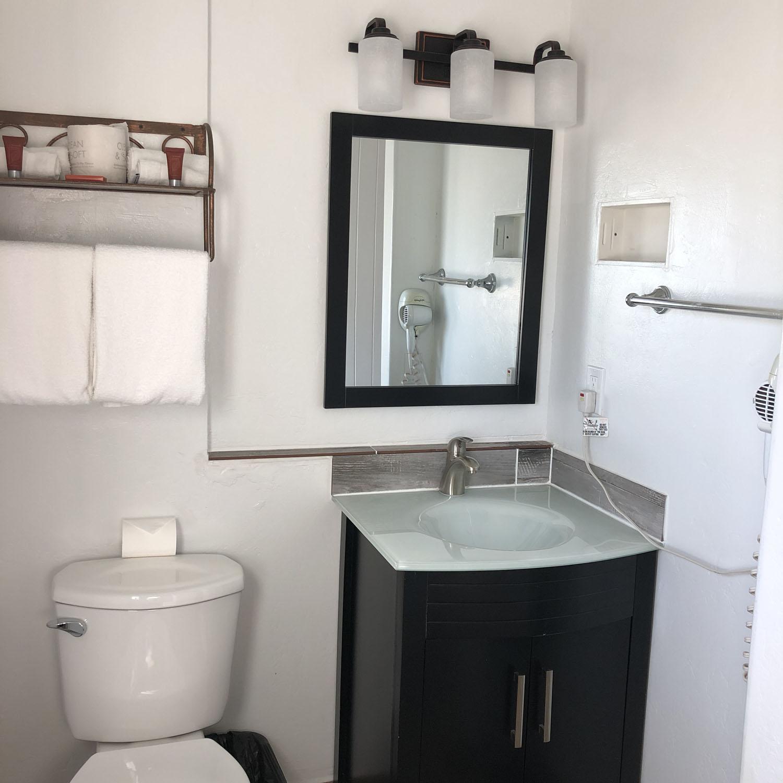 Bath_9125_Room110.jpg