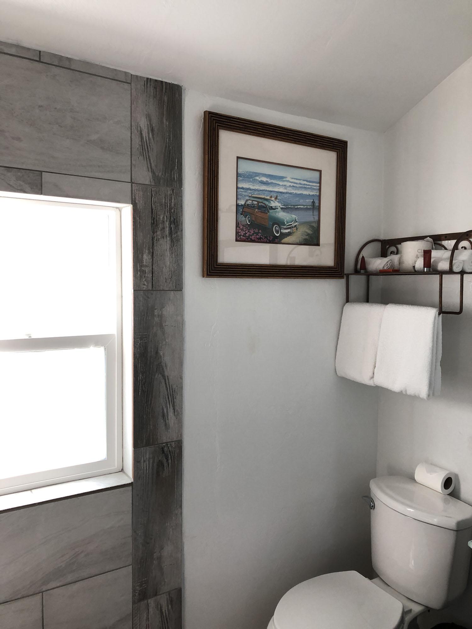 Bath_9134_Room110.jpg