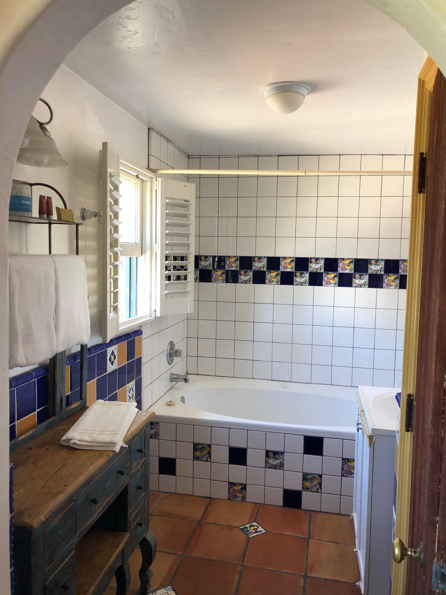 SpaBathroom_3119_Room107-108.jpg