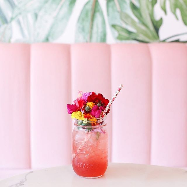 Is it too early to start thinking about cocktails? It's 5pm somewhere right...? Okay, okay, maybe we are a bit too keen to hang out with some more fabulous hens this weekend. But can you blame us!? 💖