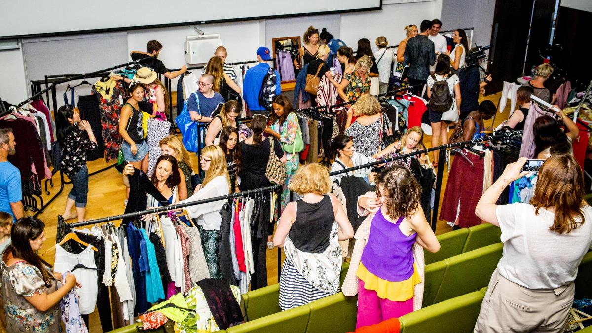 Swap parties - Reusing is also a pillar of sustainability. We host swapping parties every month, not only for clothing but also for toys.