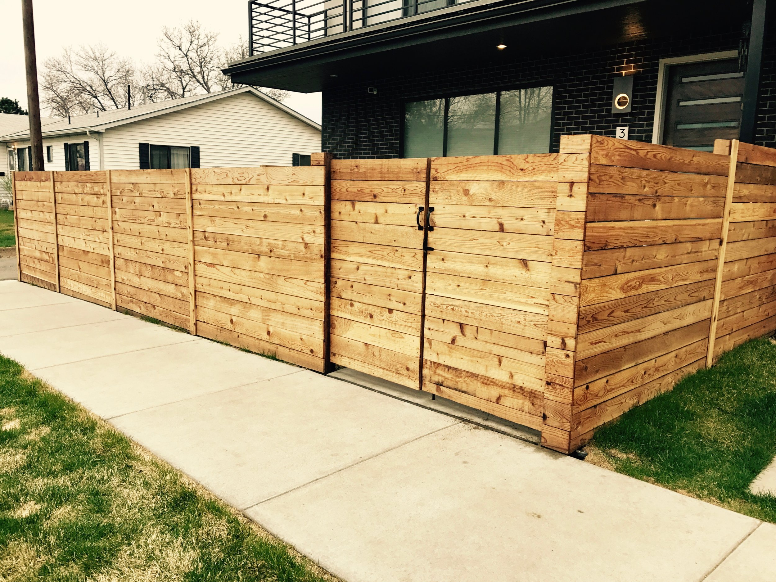 Horizontal Privacy Fence - Price🌲🌲🌲Durability🌲🌲Maintanence Costs🌲🌲Longevity🌲🌲