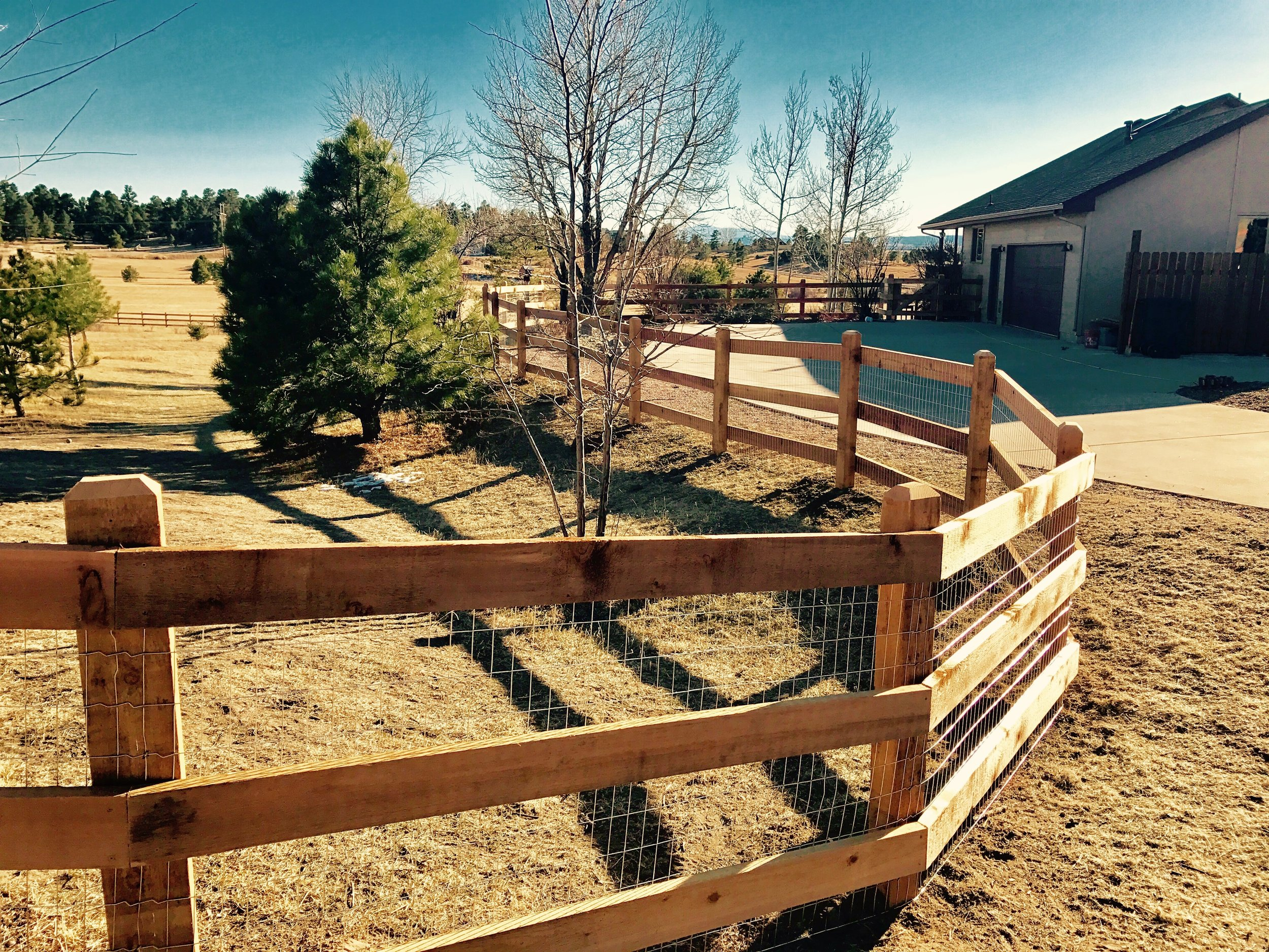 Ranch Rail Fence - Price🌲🌲Durability🌲🌲🌲Maintanence Costs🌲🌲Longevity🌲🌲🌲