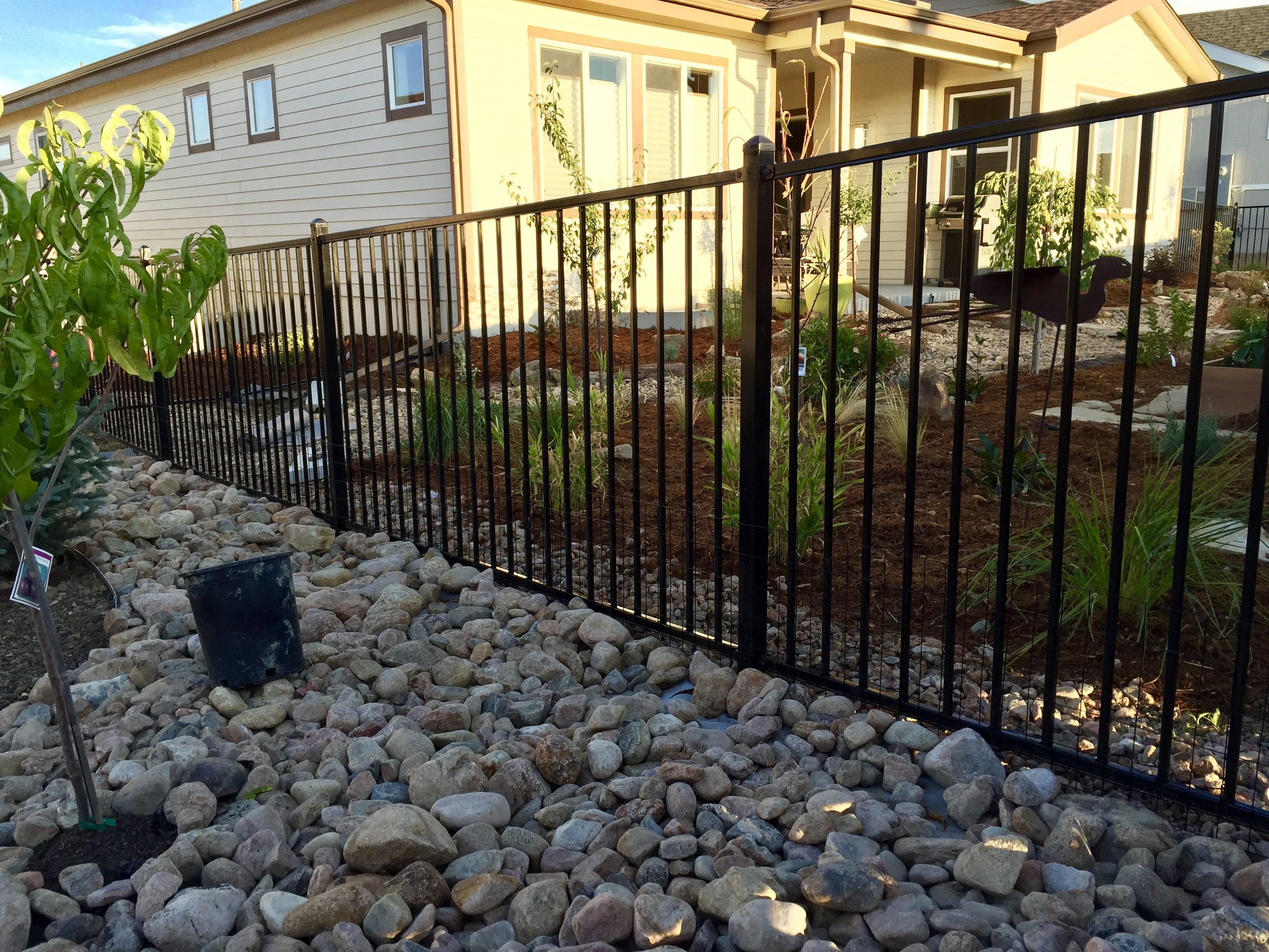 Metal Fence System - Price🌲🌲🌲Durability🌲🌲🌲🌲Maintanence Costs🌲Longevity🌲🌲🌲🌲🌲